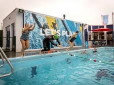 Berg die schaatsen maar op: het eerste buitenzwembad in de regio is weer open!
