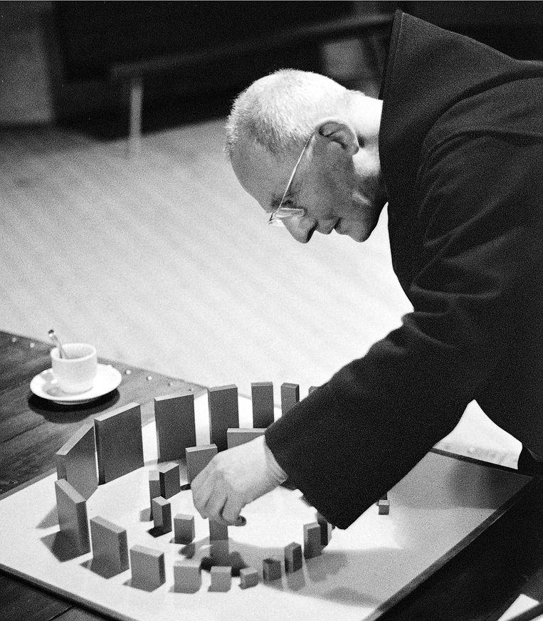 Architect en abt Dom Hans van der Laan in 1981. Beeld