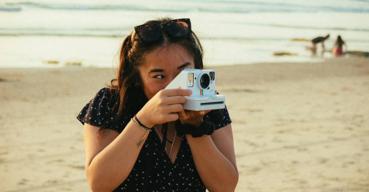 Een polaroidcamera.