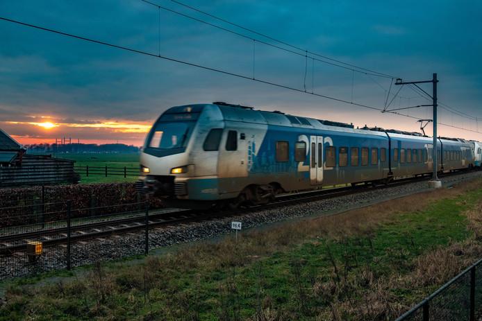 Het Kamperlijntje tussen Kampen en Zwolle, ter hoogte van Oosterholt.
