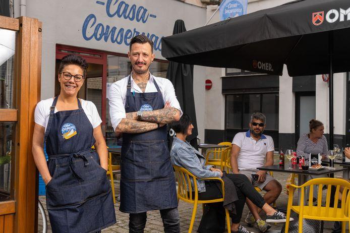 Casa Conservas is de nieuwste tapasbar in Antwerpen: Carla en Raul.