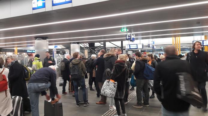 Drukte op station Tilburg