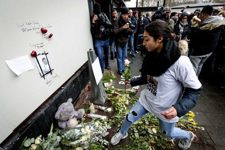 Een gedenkteken voor de 23-jarige Nabiel Amzieb in Amsterdam. Hij werd vermoord in een drugsconflict. Beeld BELGAIMAGE