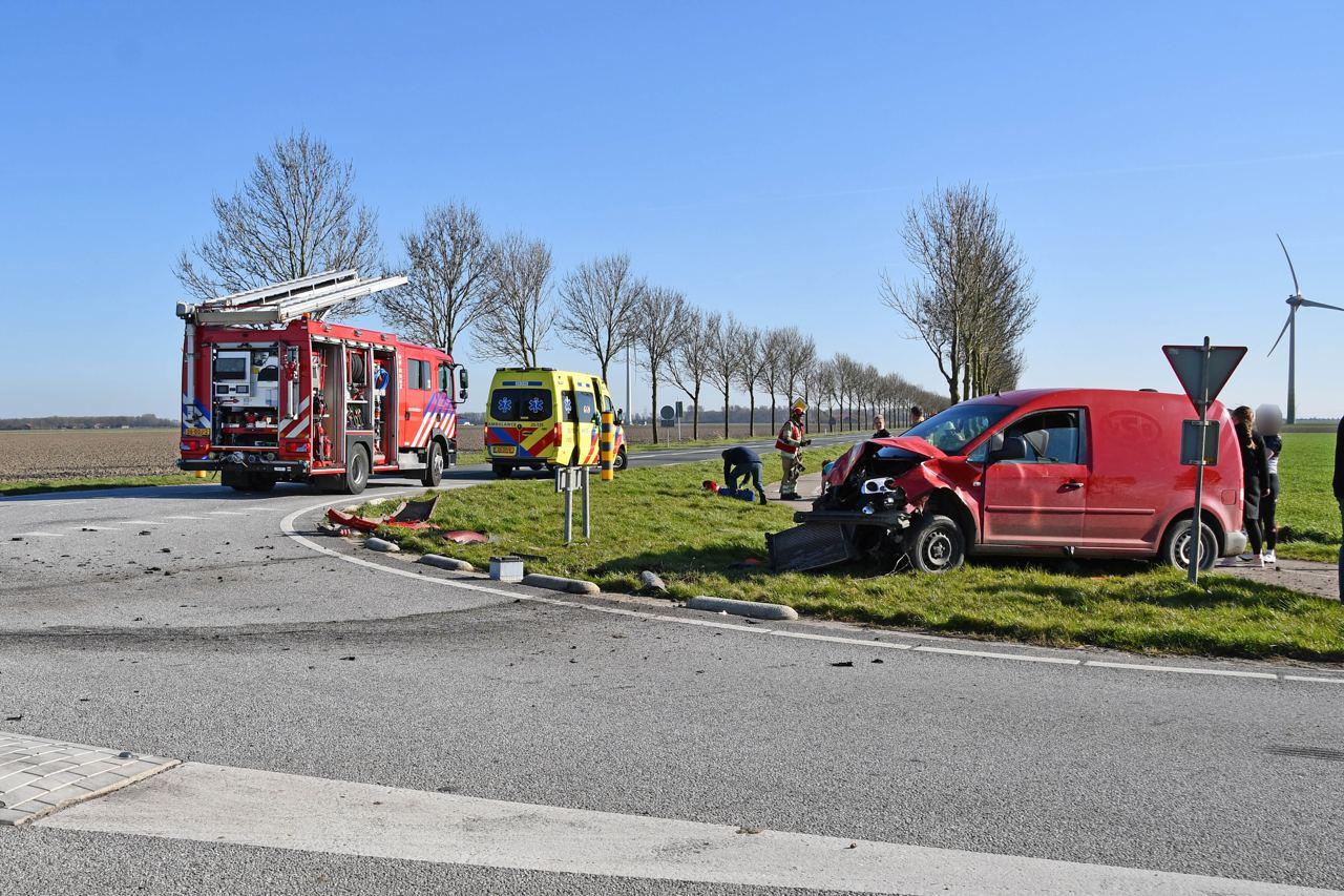 Vanmiddag vond er een ernstig verkeersongeval op de Elandweg in Swifterbant plaats.