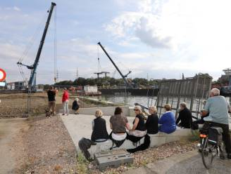 Sloop van kanaalbrug Tervant-Beringen lokt veel nieuwsgierigen