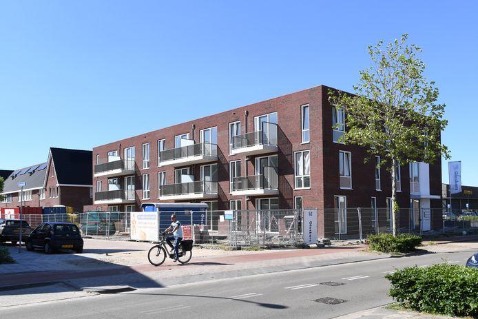 RAAMSDONKSVEER Door een ander toewijzingsbeleid is hetappartementencomplex naast de Jumbo vooral naar jongeren gegaan. Dit project dient als pilot voor de gemeente Geertruidenberg en Thuisvester.