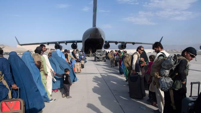 Particuliere beveiligers kúnnen mensen uit Afghanistan halen: 'Moet nu over land'