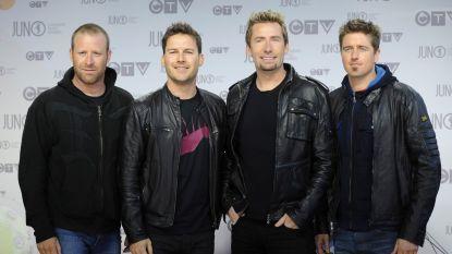"""Nickelback hint naar nieuwe muziek, maar daar zit Twitter niet op te wachten: """"Was 2020 nog niet erg genoeg?"""""""