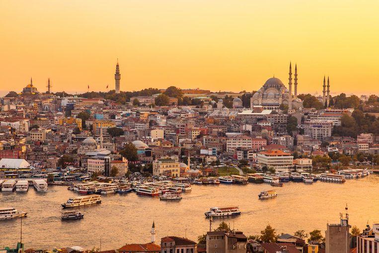 Metropool Istanbul bij zonsondergang Beeld thinkstock