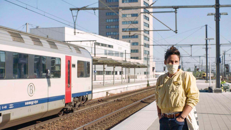 Lidewij Nuitten in 'Tussen Eupen en Oostende'. Beeld © VRT - Kris Van de Voorde