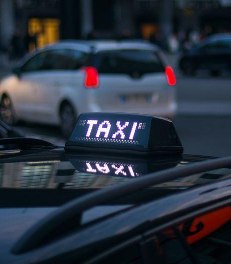 Un usager à trottinette renversée par un taxi à Bruxelles