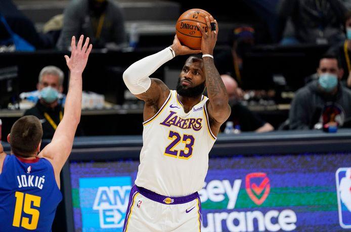 Ook LeBron James kon de nederlaag niet voorkomen.