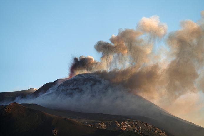 Uitbarsting van de Etna, in het oosten van Sicilië.