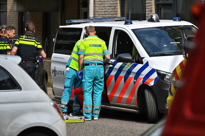 Man belandt in gevecht met agent en wordt aangehouden in Breda