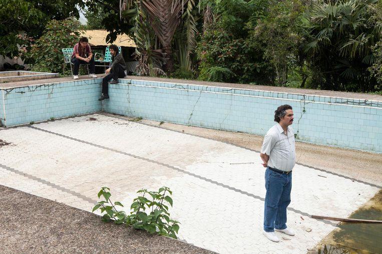 Wagner Moura als Pablo Escobar(r) in het tweede seizoen van Narcos Beeld Netflix