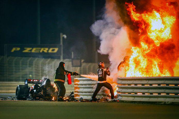 De vuurzee waaruit Romain Grosjean ontsnapte.