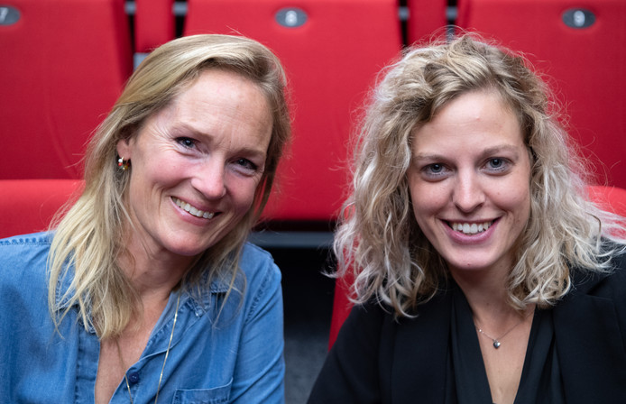 Theatermanager Stefna Bruntink (r.) en stichtingsvoorzitter Willemijn van Rechteren. FFU PRESS AGENCY COPYRIGHT FRANK UIJLENBROEK
