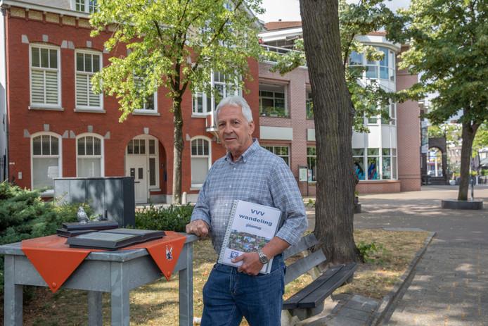 VVV-gids Jan van Lieshout in 'zijn' Valkenswaard.