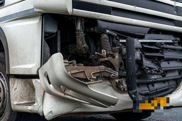 Een gebotste vrachtwagen.