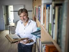 Nieuwe bundel Rijssenaar Gerrit Dannenberg heet 'Eczeem': 'Zo'n titel valt op in de boekwinkels'