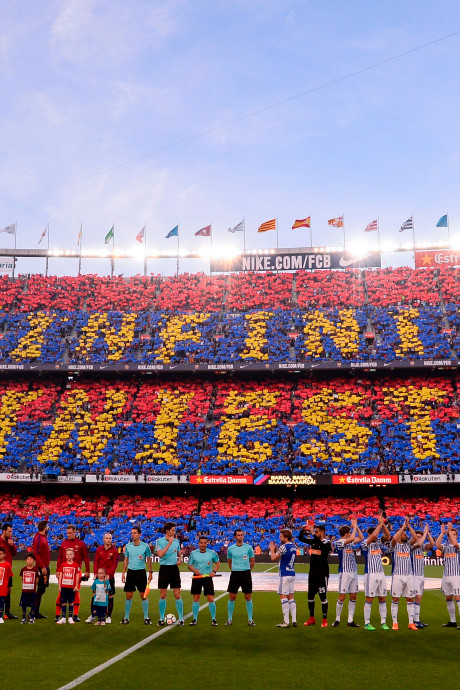 Zo nam Camp Nou vanavond afscheid van Andrés Iniesta