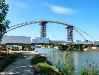 Liersebaan maand afgesloten voor plaatsen nieuwe brug over Albertkanaal in Massenhoven