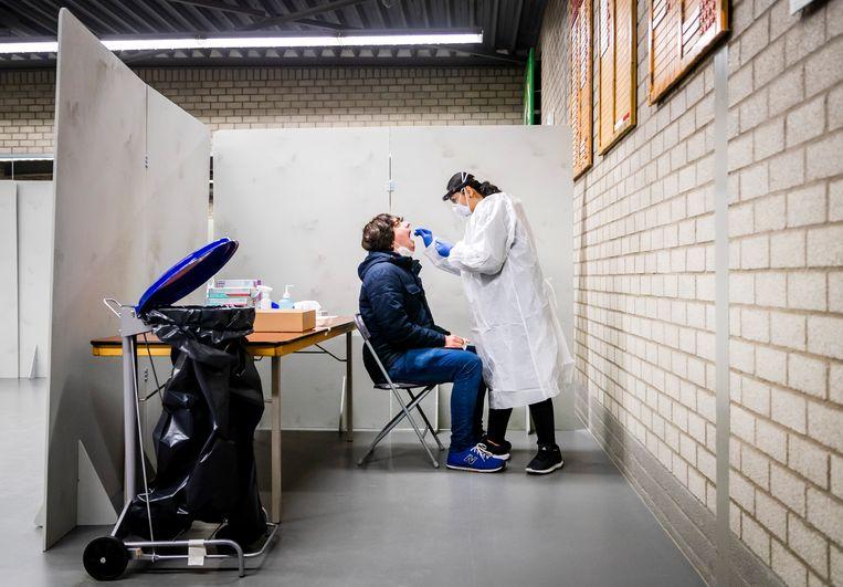 Het RIVM maakt zich wel zorgen over de besmettelijkere varianten van het coronavirus. Beeld Hollandse Hoogte /  ANP