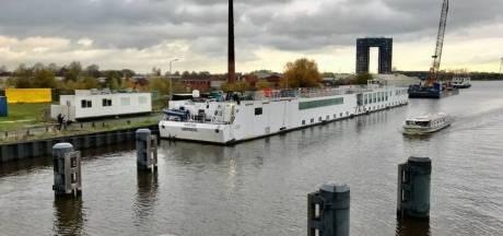 Groningen huurt extra boot voor opvang asielzoekers