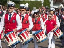 Nieuw-Dijkse Schutterij pakt uit in jubileumjaar: nieuw vaandel en recordpoging trommelen