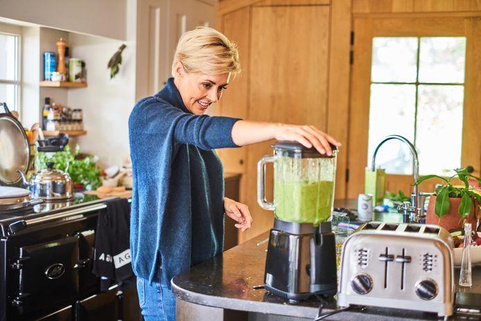 """Rani De Coninck: """"Groene drankjes zien er misschien niet uit, maar ze zijn volgens de kenners supervoedsel en ideaal om je hoeveelheid mineralen en enzymen een boost te geven."""""""