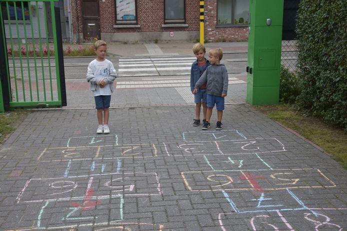 De leerlingen van Go! Invento Basisschool De Brug sprongen letterlijk het nieuwe schooljaar in.