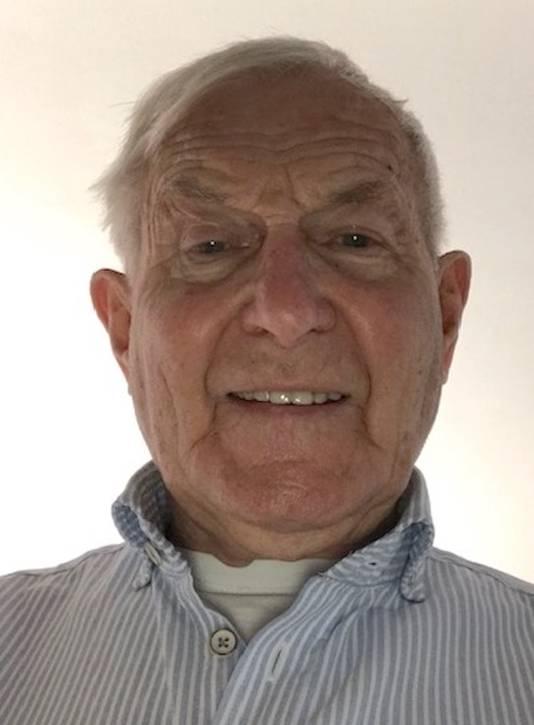 Tijdelijk voorzitter van de dorpsraad in Leende Henk Los.