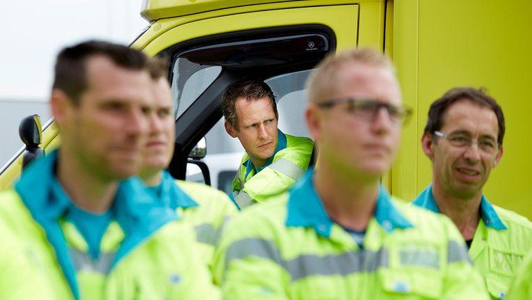 Ambulancepersoneel van BIOS in Nederland. Beeld anp