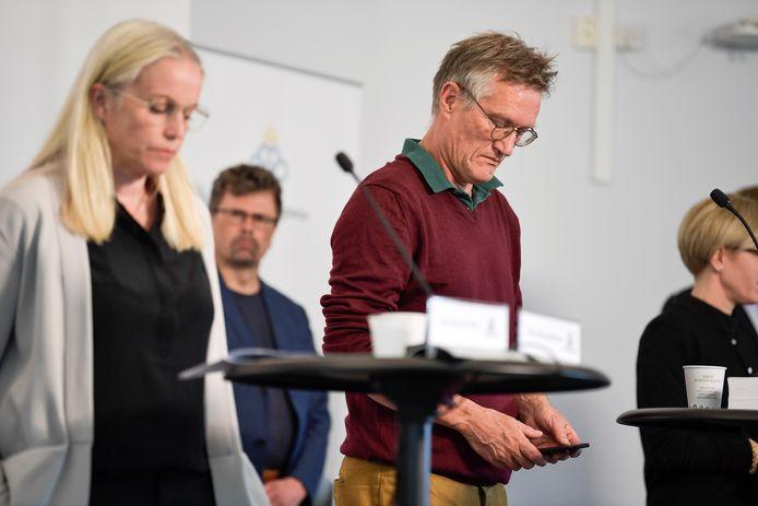 De Zweedse staatsepidemioloog, die achter het beleid van het land stond om geen lockdown in te voeren, heeft toegegeven dat het land meer beperkingen had moeten opleggen om de verspreiding van het virus tegen te gaan.