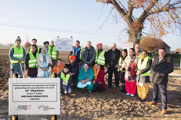 Sikhgemeenschap plant bomen in Rummen