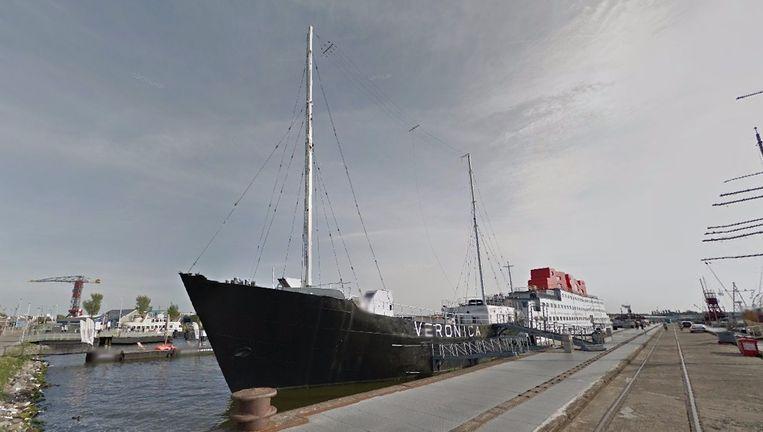 Op het voormalige zendschip van Veronica, dat in Noord ligt, hebben asielzoekers en werkgevers elkaar ontmoet op een banenmarkt Beeld Google Street View