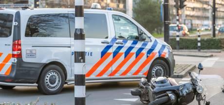 Man zwaargewond bij val met scooter in Tilburg