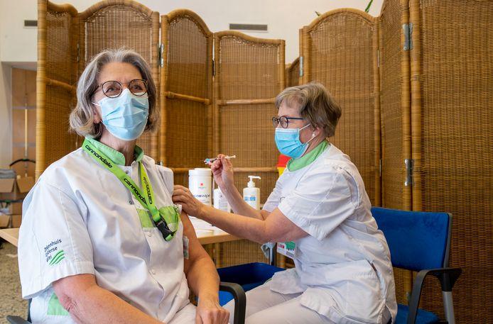 In januari is begonnen met het vaccineren van ziekenhuispersoneel in Ede