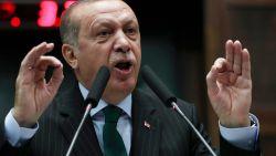 """Erdogan houdt absurde tirade op vrouwencongres: """"Het Westen steelt baby's van moslimfamilies"""""""