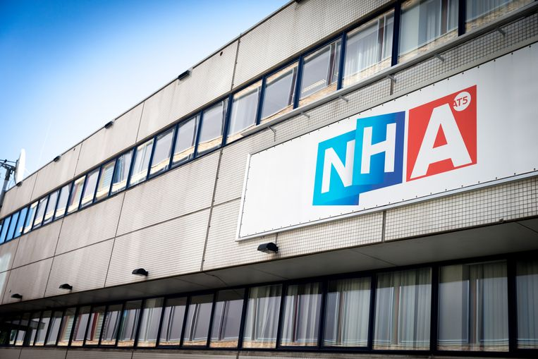 NH Media verruilt het huidige Amsterdamse pand voor een nieuw hoofdkantoor 'met grote voordelen' in Hilversum. Beeld ANP/Jerry Lampen