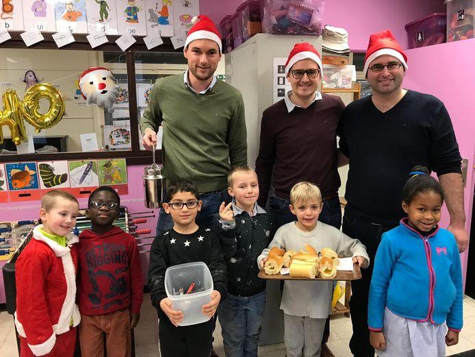 Eerder organiseerde de Leo Club Ninove op de laatste schooldag voor de kerstvakantie een soepbedeling op het Sint-Jorisschooltje in het centrum van Ninove.