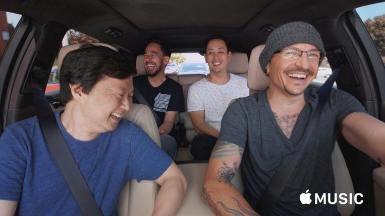 Linkin Park & Ken Jeong in 'Carpool Karoake'. Beeld RV/Apple Music