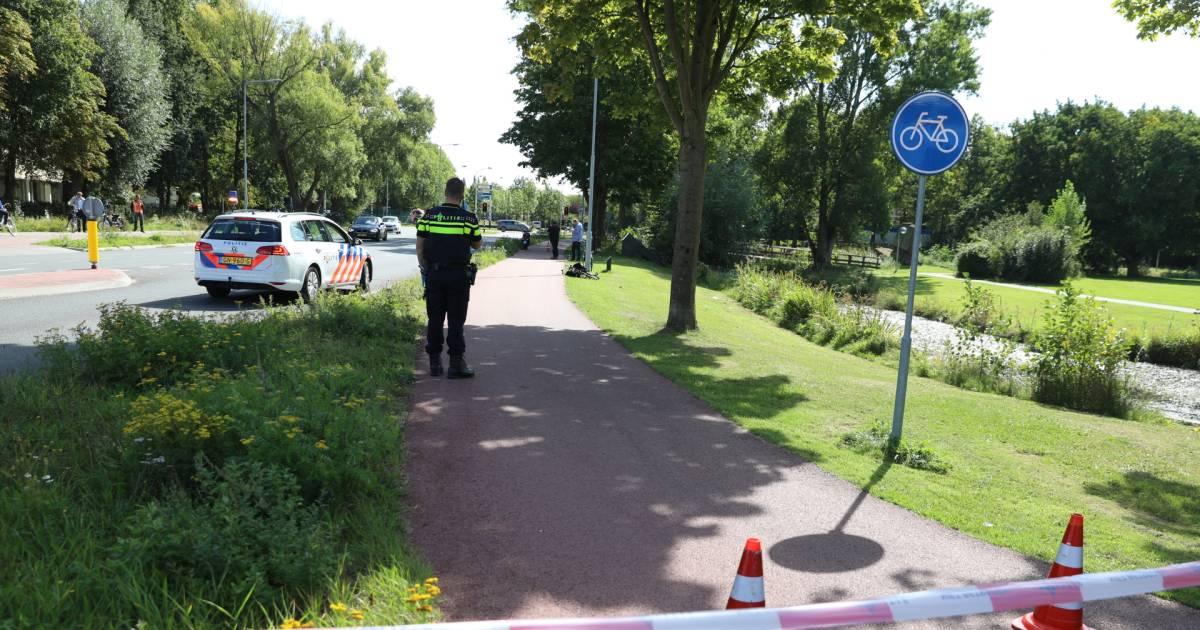 Fietser zwaargewond na aanrijding in Wageningen.