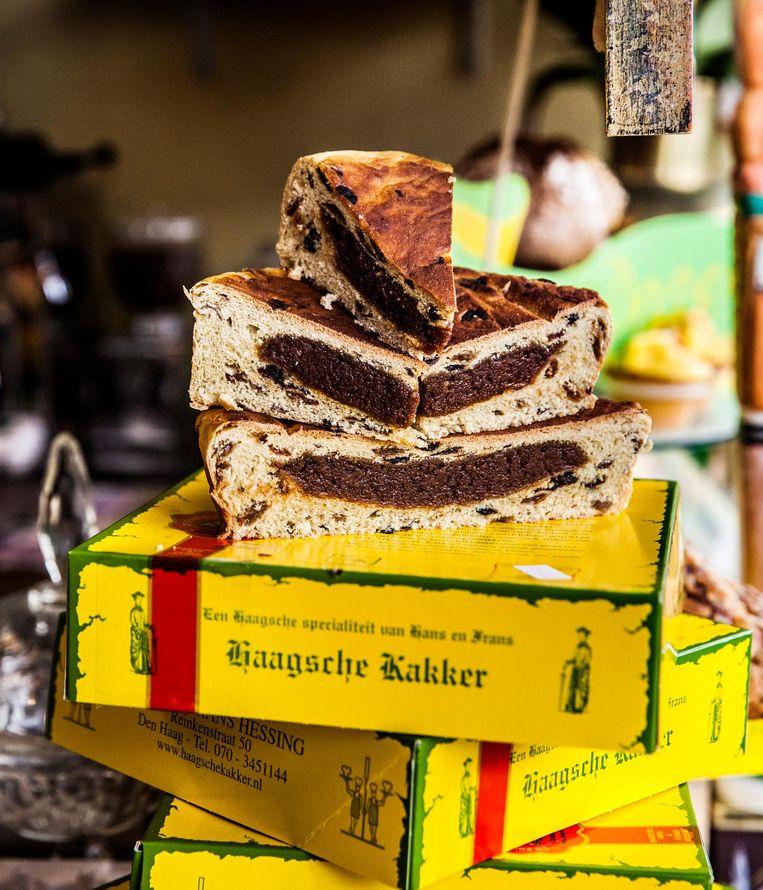 Haagse Kakker van banketbakkerij Hessing: krentenbrood met spijs van honing, nootjes en kaneel Beeld Aurélie Geurts