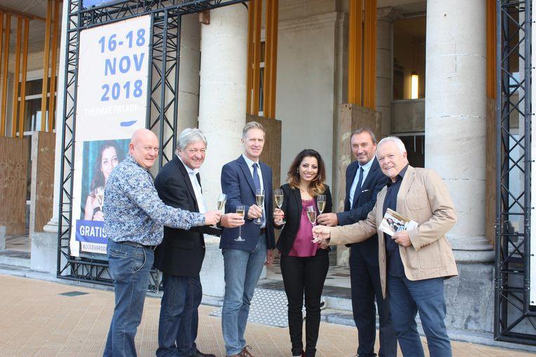 Sepideh Sedaghatnia samen met partners van Boulevard de Champagne, Toerisme Oostende en Thermae Palace Hotel.