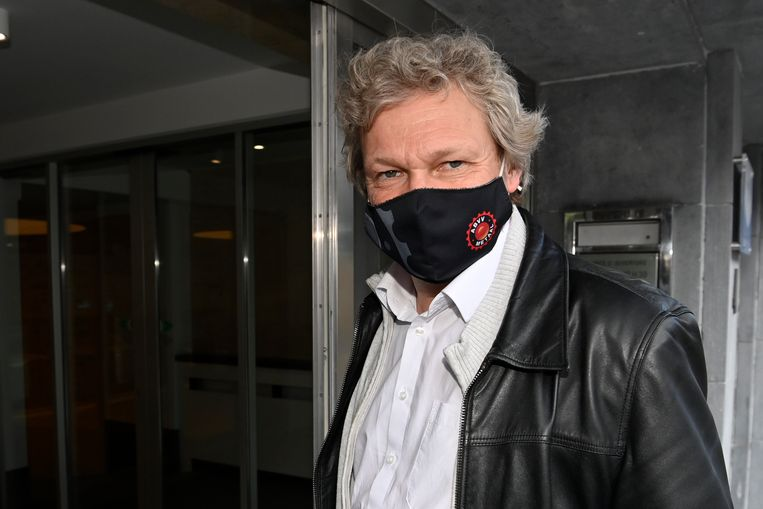 ABVV-voorzitter Thierry Bodson vorige week op weg naar de onderhandelingen over het loonakkoord. Beeld BELGA