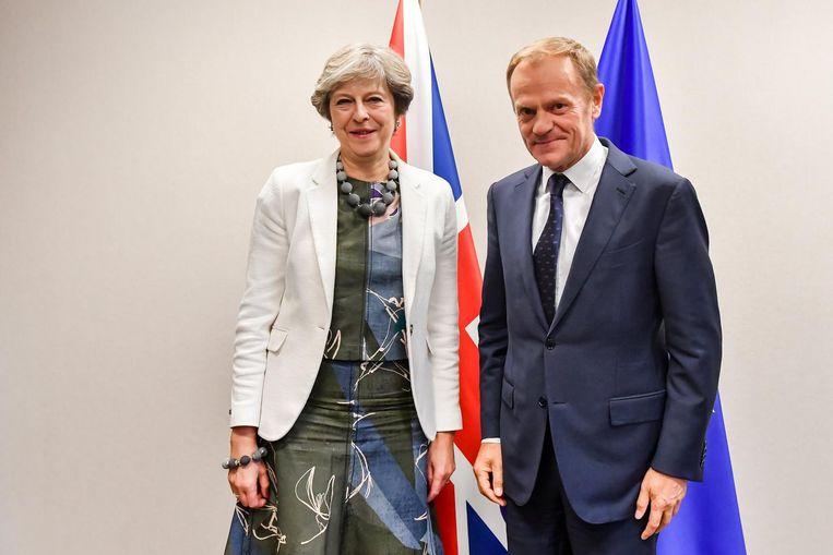 Theresa May en Donald Tusk. Beeld epa