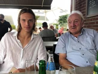 """Opa Roland (77) van Genk-doelman Maarten Vandevoordt overlijdt aan corona: """"Honderden kilometers heeft hij met mij rondgereden"""""""