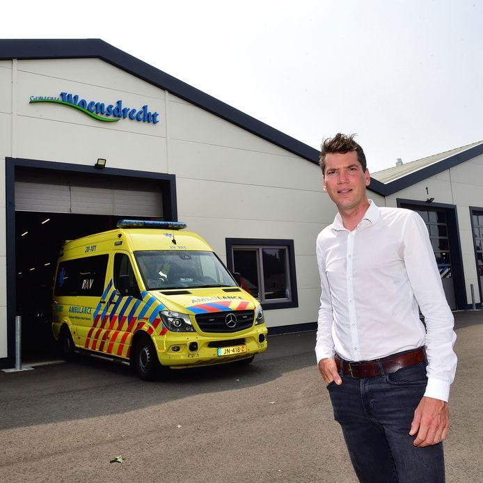 """De Woensdrechtse wethouder Jeffrey van Agtmaal ijvert al jaren voor grensoverschrijdend ambulancevervoer: ,,Of het nou een Nederlandse of een Belgische ziekenauto wordt: áls het maar de snelste is."""""""