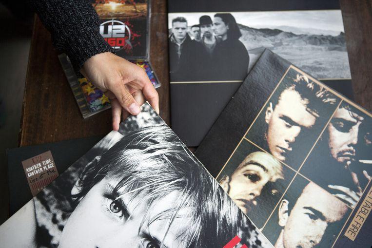 Lp's en cd's van U2. Onder andere War en The Joshua Tree. Beeld Marijn Scheeres